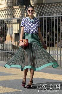 色撸撸欧洲图-小编点评:   一眼就被这条裙子吸引住,属于春天的绿色和透视感都让...