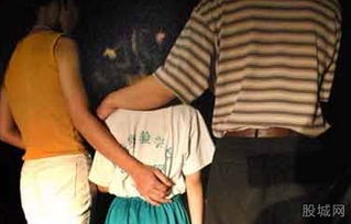 老师强奸12名女生 为何学校成了学生们的地狱