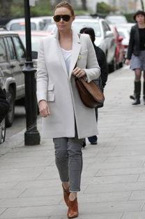 ...白棕色系出街的Stella McCartney在色彩搭配上展现了超人技巧.棕色...