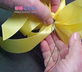 双蝴蝶结的系法