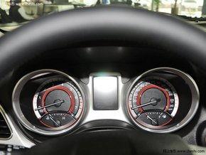 酷威出身于D-se   ent平台,是融入了SUV和MPV风格的跨界(   道奇...