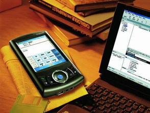 00还拥有一个200万像素摄像头,... 内置视频和MP3播放器,支持real...