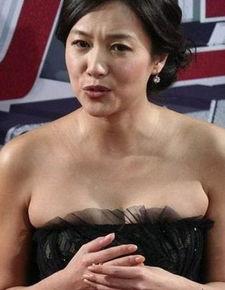 被誉为香港第一美女的关之琳虽然在演艺事业上无多大建树,但是她却...