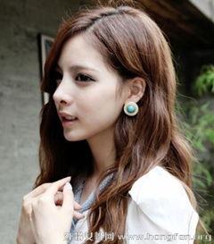 韩式浪漫田园风中长发发型 时尚欧美森女造型图片