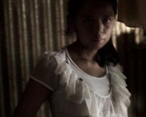 ...地马拉女孩因被强奸而怀孕,危地马拉只有1500万居民,这一数字使...