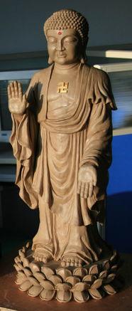 我们实地考察了东北三省众多寺院的多座佛像,并通过各种途径了解全...