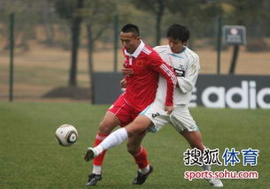 ...带着一股和上海足球细腻打法所不同的豪情,在申花时期这位少侠...