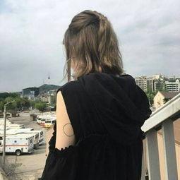 女生头像背影简单唯美照片