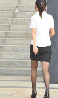街拍 为什么女性职业套装都是包臀裙