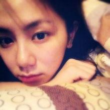 ...棋 中国娱乐网综合 出现在镜头前的女明星脸上总带着精致的彩妆,...