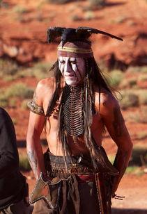 ...翰尼 德普化身印第安 称扮相灵感于名画 我是乌鸦