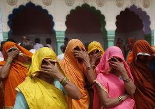 都市神徒-...8日,印度北部城市马图拉的Dauji神庙,作为