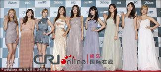 由李胜基、少女时代允儿、宋智孝主持,连续4个小时直播的2011 SBS...