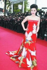 ...日出席本届戛纳电影节开幕式红毯.-范冰冰受访解读背后故事 仙鹤...