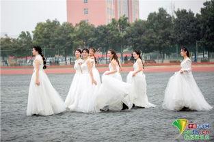 """刻.""""寝室成员张玉莹说,他期待和寝室闺蜜们来一场集体婚礼,给人..."""