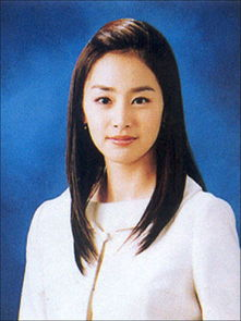 ...似女主播 白色制服穿出优雅-金泰熙9年前照片曝光 美貌与现在不差分...