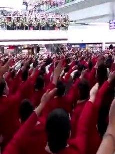 国泰空姐香港机场快闪热舞