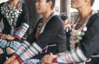 ...到处都有歌声,老人在角落里吹笛子-湖南 侗寨里的好时光