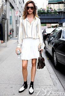 包臀裙街拍超短,白色包臀裙街拍,街拍包臀裙图片