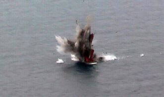 一指碎空-KH-31P导弹击中靶船,一发就把小船炸得稀烂