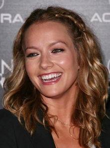 : )   Jenna Jameson,一头长的卷发该怎么处理,把前面的刘海部...