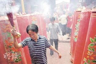 ...国三成人忧中国抢饭碗虎年民调 38 支持华人春节放假