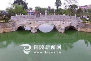 顺安古桥周边,杨柳依依,碧水悠悠.据史料记载,顺安古桥原名临津...