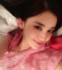粉色-刘雯晒睡衣照素颜吸睛 女星罕见睡衣私照开扒