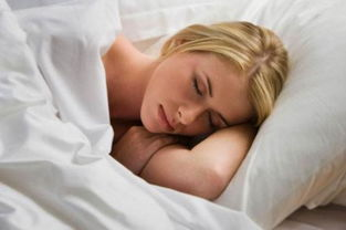 弯腰驼背,颈椎疼痛 99.9 的人都不知道原因是你的睡觉姿势造成