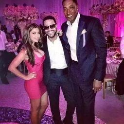,据悉皮蓬怀疑妻子与美国某黑人歌手打得火热,两人更是在迈阿密私...