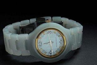 ...,翡翠手表是你不可或缺的秘密武器