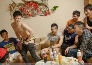 李宇恩生日派对照片