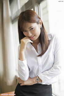 人气模特佐佐木希 甜美发型清纯可人