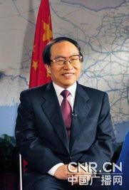 53年生,曾任沈阳铁路局局长,后任铁道部总调度长.1996年任铁道...