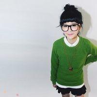 戴眼镜框的QQ女生头像 可爱彩色眼镜框头像图片 4