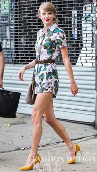 ...色的Gucci高跟鞋,搭配上D&G包包,看上去气色不错.-街上有...