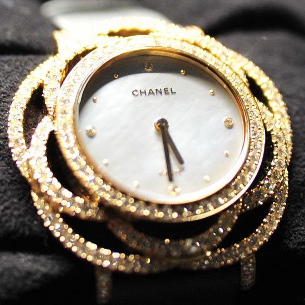 专属于香奈儿的山茶花 香奈儿新款腕表实拍