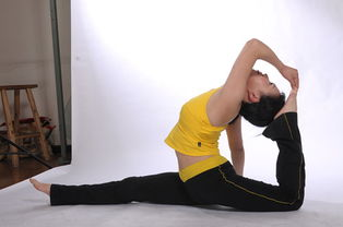 如何矫正驼背 9式瑜伽动作帮助你