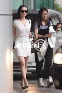 出席活动,搜狐视频在上海某酒店... 带着黑色墨镜,脚踩高跟鞋,一点...