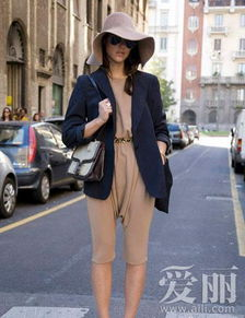 欧美达人示范潮流连体裤穿出简约时尚