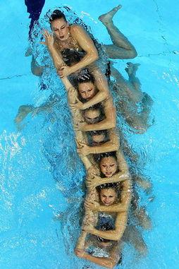 奥运花游资格赛 各代表队美女出水芙蓉