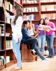 图书馆拿书的女孩图片素材 图片ID 410270 美女图片 人物图片