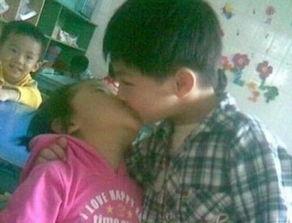 12 岁女孩 和 男孩接吻 图片,9 岁女孩 12 岁男孩 会